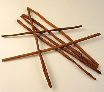 Skořice, dlouhé 40-50 cm, přibližně 60 ks, Cassia skořice, Indonésie, 1 kg