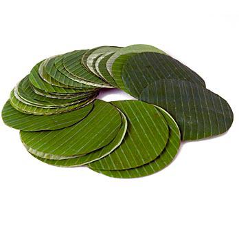 Banánové listy, kruhově řezané, o 15 cm, cca 100 listů, čerstvé, 500 g